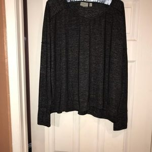 Athleta pull over size Large